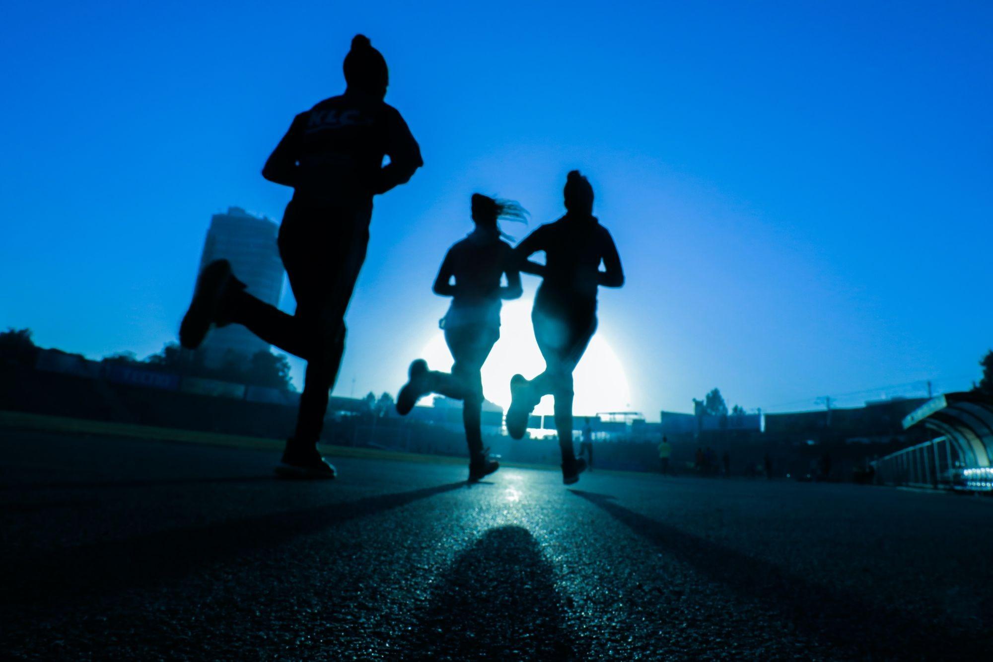 Movimenti ripetitivi: squilibri nella biomeccanica e sollecitazione dei tessuti molli nei runners e nei bodybuilders ( seconda parte )
